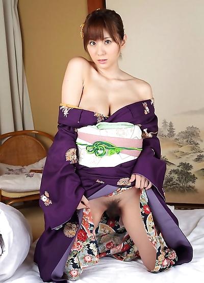 Big tits yuma asami posing..