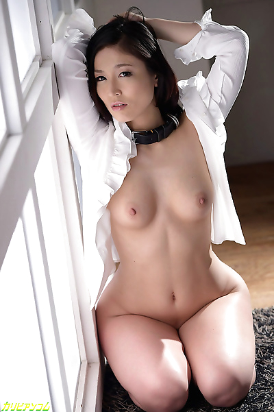 Hot japanese chick chained..