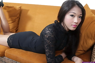 Stunning amateur Asian girl..
