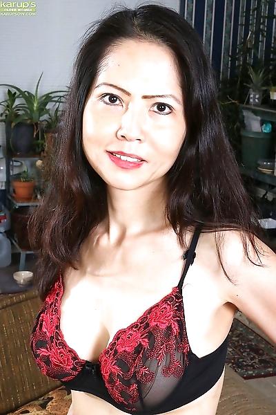 Mature Asian woman Emmeline..
