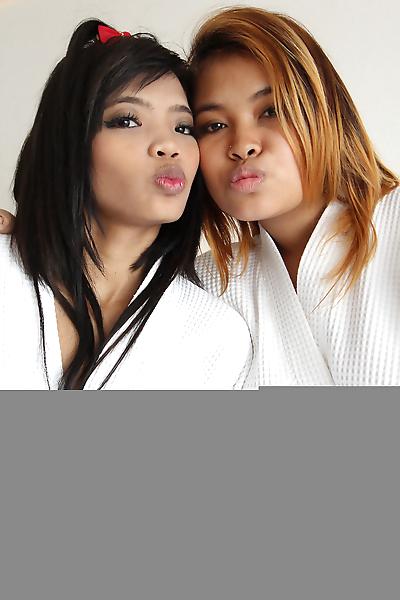 Thai girls Kam & Tik strip..