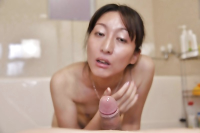 Svelte asian MILF Miki..