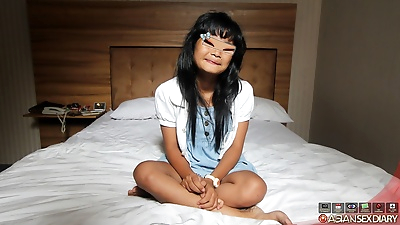Hairy petite indonesian babe..