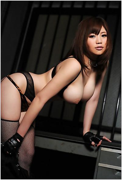 Curvy busty asian gfs posing..