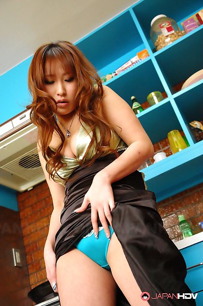 Hot girl yuki maya toying..