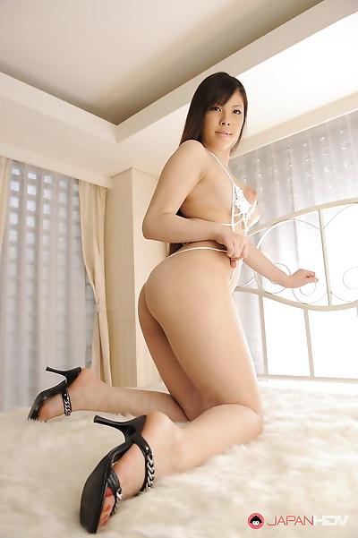 Erena tokiwa shows off her..