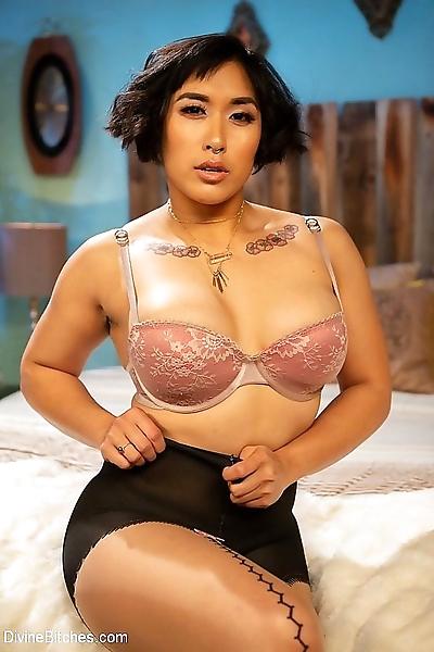 Mia little asian femdom..