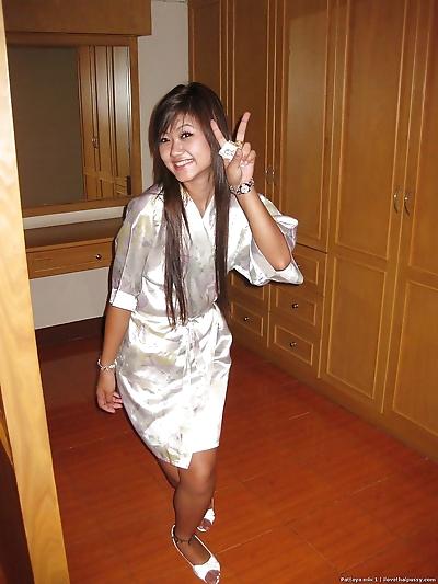That bargirl Pattaya baring..
