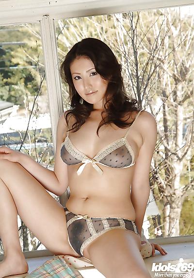 Amateur asian babe Takako..