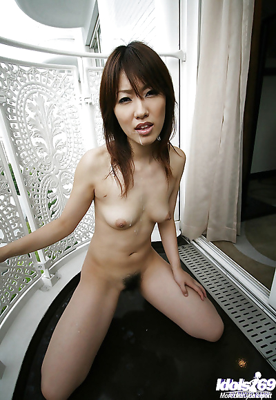 Cute Asian coed Yuzuka..